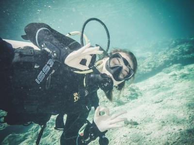 潜水洗礼探索潜水塔拉戈纳