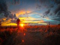 日落时的自行车路线