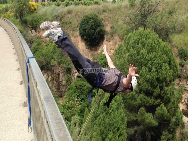 An amazing bungee jump