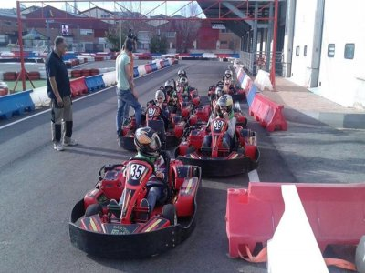 2 round di kart + barbecue + open bar sul tavolo
