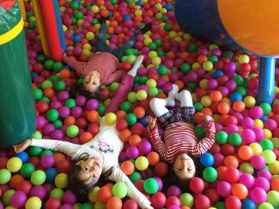 Juegos en parque infantil de SS Reyes 30 minutos