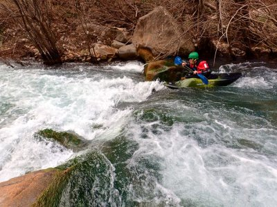 Kayaking descent in Ribarroja 1h 30 min+ pics