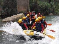 En pleno descenso de rafting