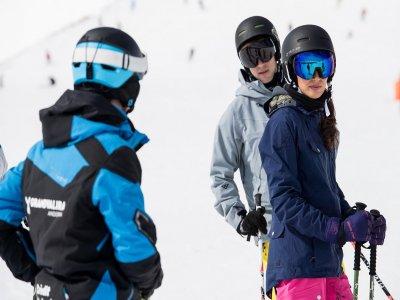 Clase colectiva de esquí en Grandvalira 12 horas
