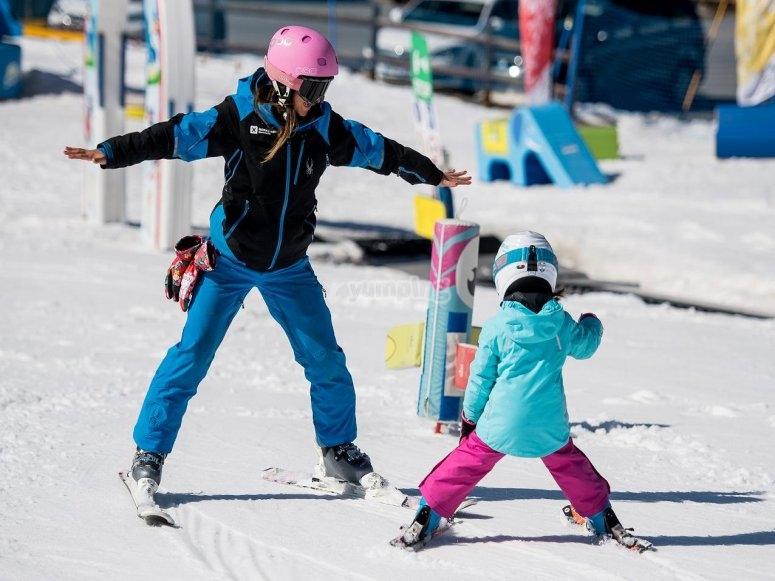 Ensenando esqui a los mas peques