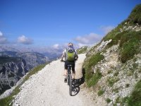 Cycle through Huesca