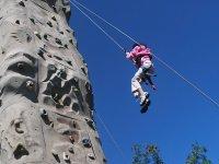 Haz escalada en rocodromo