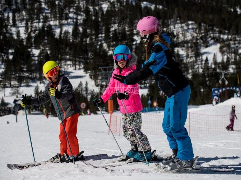 sesion de esqui para niños