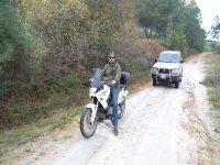 Ruta moto con vehículo de apoyo
