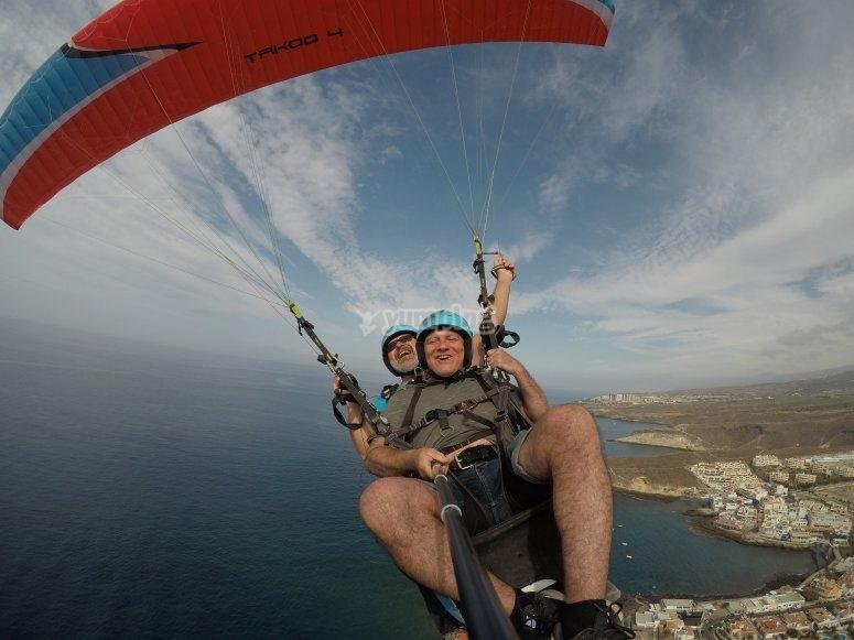 Tandem paraglide flight