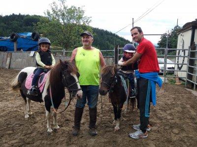 Paseo en poni para niños en Guipúzcoa 30 minutos