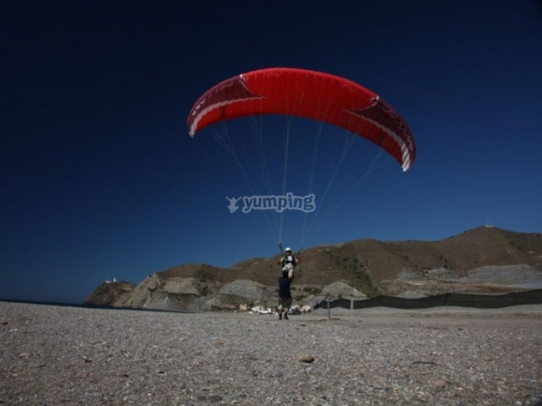Helping you in the paragliding practice session