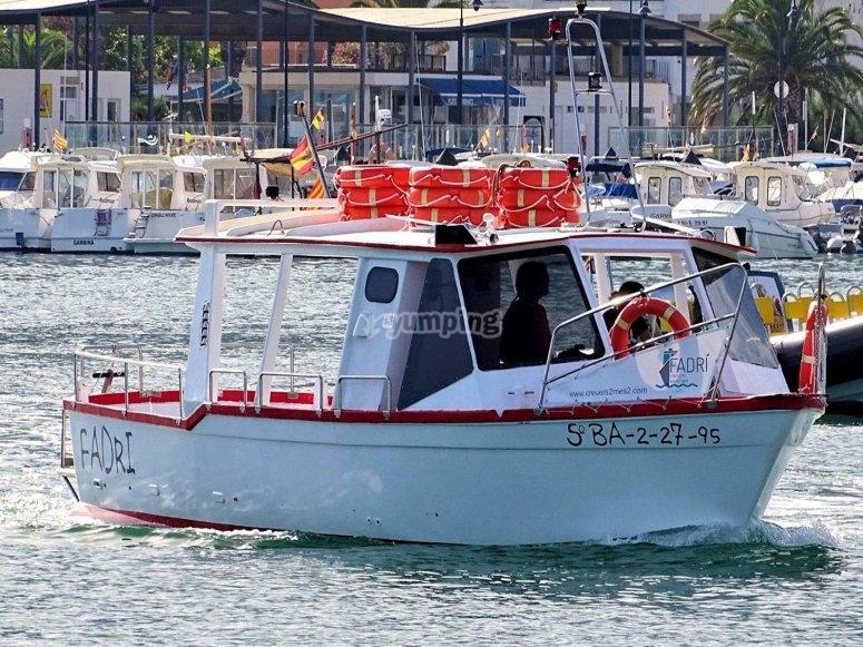 Nuestro barco en el mar