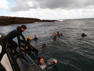 在Hondarribia潜水潜水+设备租赁