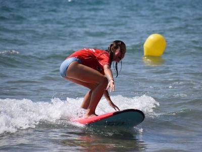 8月在Castelldefels L-V冲浪营地