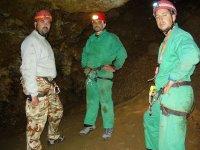 Descansando en la cueva