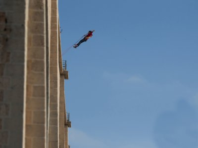 2 bungee jumping a Cieza