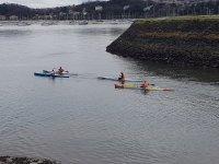 Amigos en kayaks