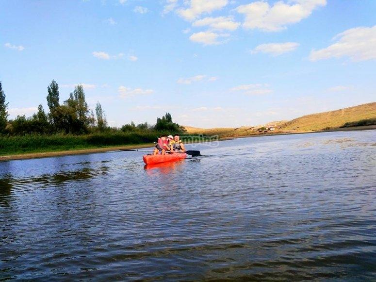 Peques en el kayak