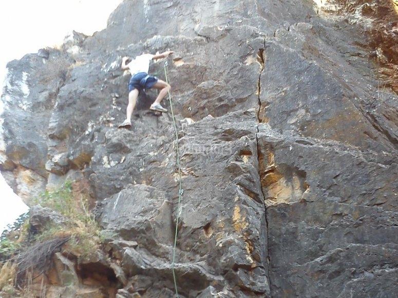 En la via de escalada
