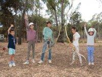 在我们的营地练习射箭