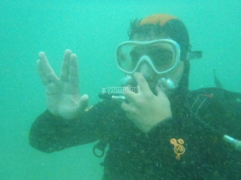 Saludo vulkaniano submarino