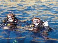 Tras la inmersión de buceo en el agua