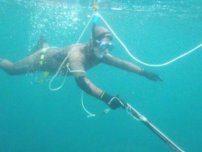 Sesión de pesca submarina con arpón en Viveiro 2h