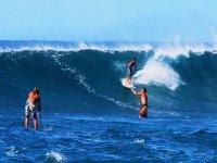 coge las olas con amigos