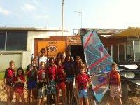 clase de windsurf para ninos
