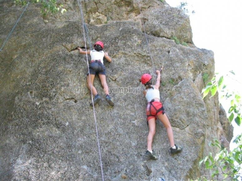 Subiendo la pared por parejas