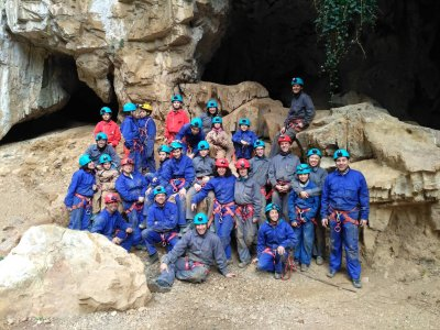 Caving session in Asturias family level
