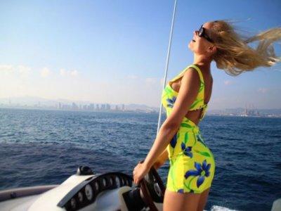 Barcelona Boat Charter Paseos en Barco