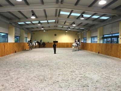 Bono de equitación mensual en Segovia para adultos