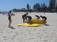 活动独木舟学习冲浪营