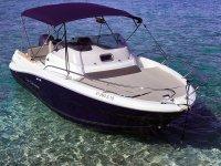 Embarcación con capacidad para 7 personas