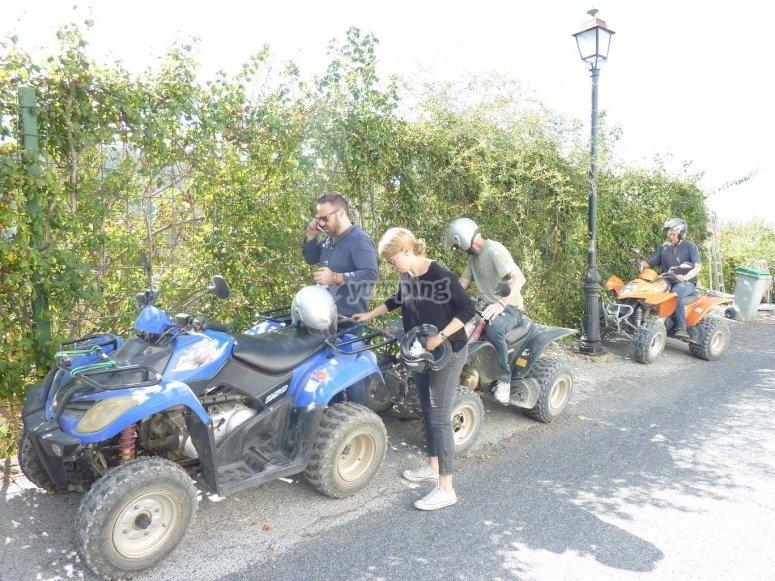 Preparando la ruta en quad