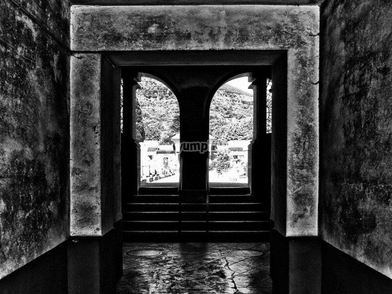 Cripta misteriosa en la que tendrás que adentrarte