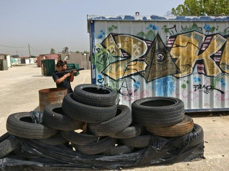 Tyre barricade