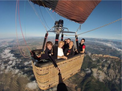 乘坐气球观赏蒙特塞拉特的全景