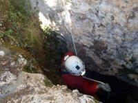 nos adentramos en la cueva