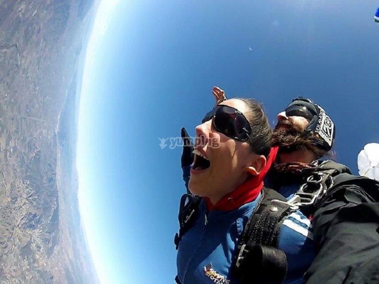 Apertura del paracadute su Totana