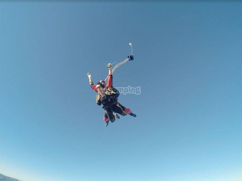 Apertura del paracaidas sobre Totana