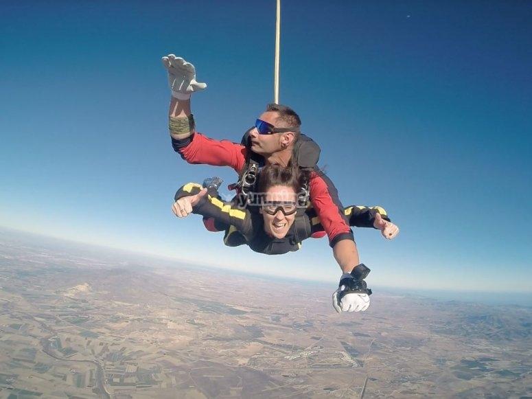 Caida libre en paracaidas