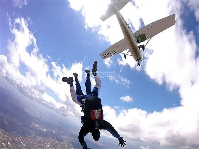 Saltando skydiving Totana