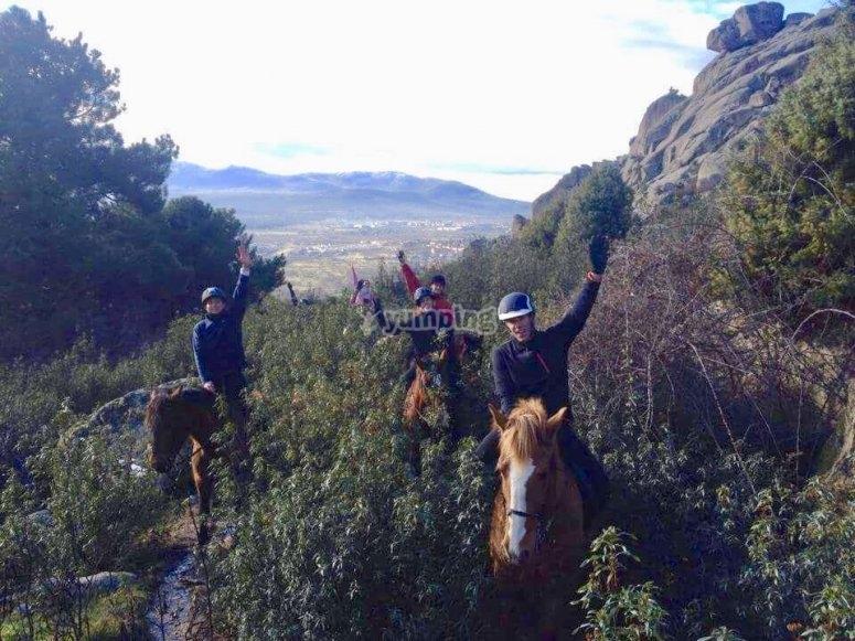 Vivere un bellissimo itinerario a cavallo