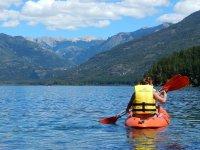练习皮划艇在谷Iruelas