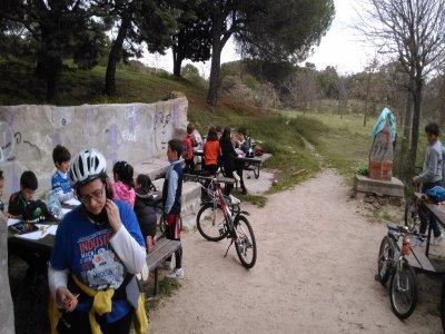 Clase de mountain bike en Casa de Campo para niños