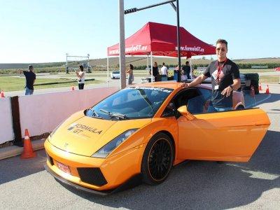 Pilota Ferrari Lamborghini e Porsche a Calafat
