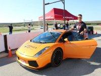 Conducir un superdeportivo